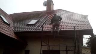 Mycie dachu blachodachówka