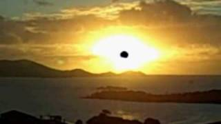 preview picture of video 'St Thomas USVI sunrise from vacation condo Luna Bella'