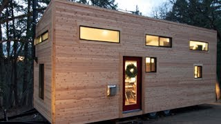 """Couple Builds Own Tiny House On Wheels In 4 Months For $22,744.06  """"hOMe"""" FULL TOUR"""
