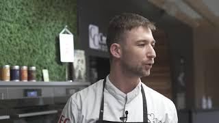 Carlos Cook stellt den neuen AEG Multidampfgarer vor und kocht Gnocchi mit Zander