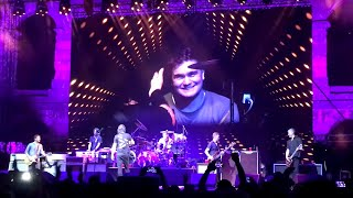 FOO FIGHTERS lets fan play drums - Wheels - Live @ Arena, Pula, Croatia - 19.6.2019.