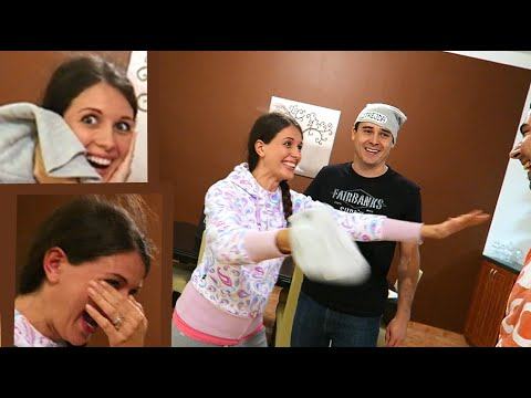 EPIC SURPRISE PREGNANCY ANNOUNCEMENT!!