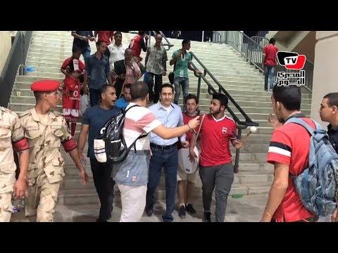 لحظة وصول علاء مبارك استاد برج العرب لتشجيع المنتخب المصري