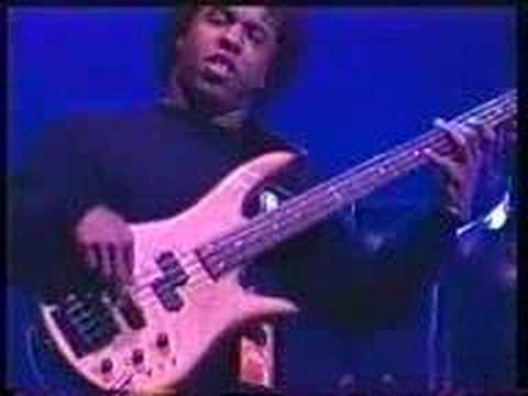 Victor Wooten - DMB concert (live) online metal music video by VICTOR WOOTEN