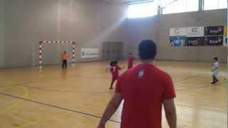 preview picture of video 'futbito Bidezarra-Aoiz 6 años 19-5-12.mp4'
