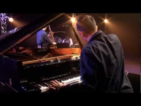 play video:Vijay Iyer Trio - Accelerando