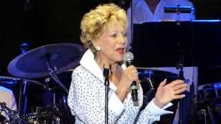 Annie Cordy - Un Rien Me Fait Chanter - Festival C.Trenet Narbonne 2013