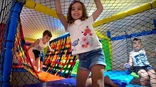 DIVERSÃO COM OS PRIMOS NO PLAYGROUND E SORVETE DE CHOCOLATE!! Daily Vlog de Férias Familia Brancoala