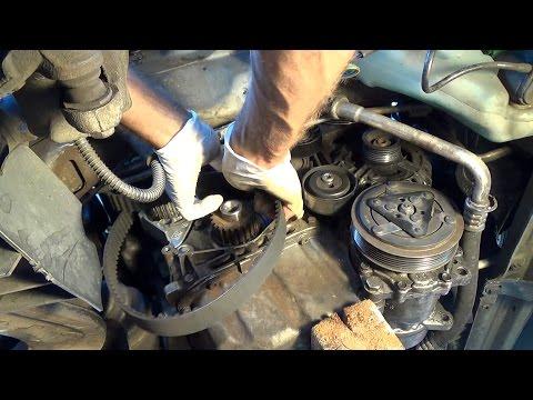 Die Rohrleitungen für das Benzin und dt