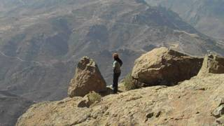 preview picture of video 'A Kiss from a mountain'