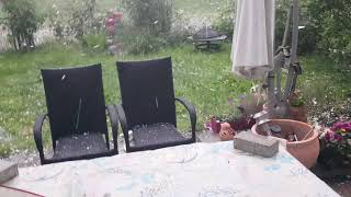 MUST WATCH TILL THE END: Very Funny Reaction! Golfballgroßer Hagel In München