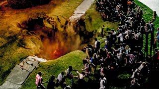 【穷电影】地面出现诡异大坑,随后无数怪物现世,围观的人都后悔了
