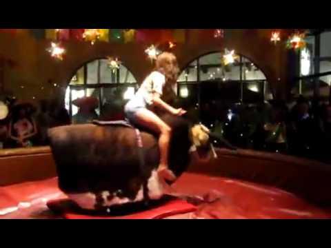 Відео Атракціон Родео на бику 4