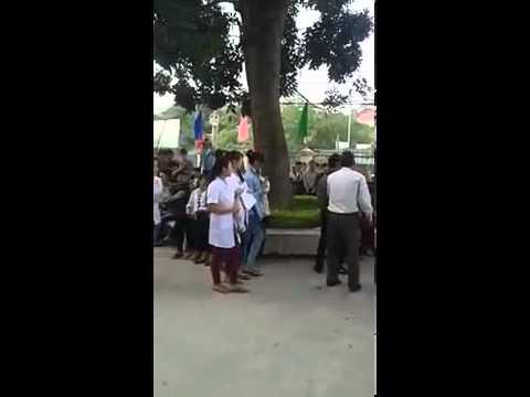 sinh viên DHY Thái Nguyên tỏ tình bị thầy giáo ngăn cản.
