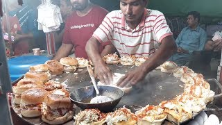BURGER MAKING | Super Fast Cooking Skills | Egg Anda Bun Kabab At Street Food Of Karachi Pakistan