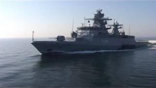 Komplett vernetzt: Korvette BRAUNSCHWEIG auf hoher See - Bundeswehr