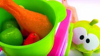 Ам Ням учится готовить - Видео с игрушками - Диди ТВ