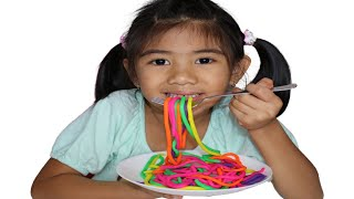 Colorful Playdoh Noodles Learn Colors with Sophia Pretend Play for Kids