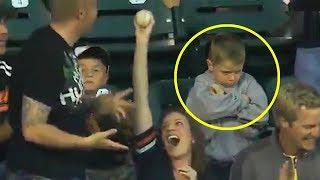 deportes adultos que roban la pelota a los niños