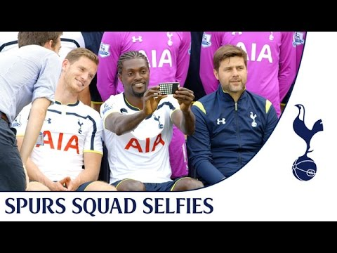 Emmanuel Adebayor loves a selfie!