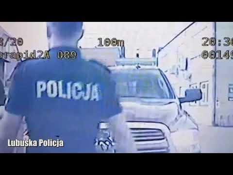 Wideo1: Wschowscy policjanci eskortowali samochód wiozący kobietę do szpitala