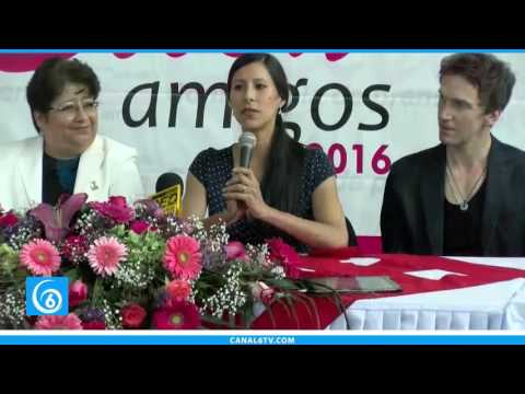 Conferencia de prensa con la bailarina de la Ópera de Berlín, Elisa Carrillo, en Chimalhuacán