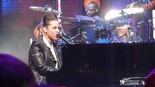 Alicia Keys - Not Even The King @ Beacon Theatre 2012