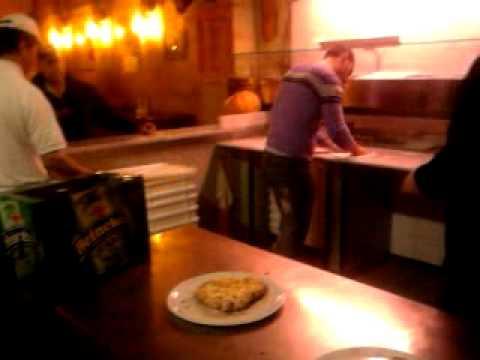 sorpresa di fiocco alla pizzeria rosetta di lecce