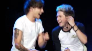 Луи сорвал голос на Over Again