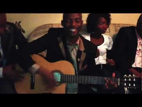 Các bạn châu Phi hát Việt Nam Hồ Chí Minh