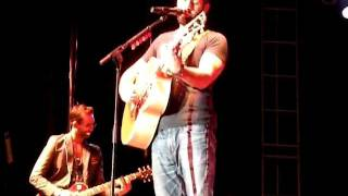 Naleigh Moon - Josh Kelley (LIVE)