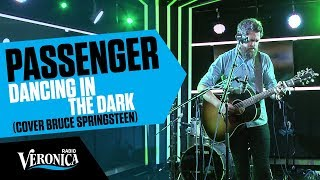 Passenger covert Bruce Springsteen's Dancing In The Dark // Live bij Giel