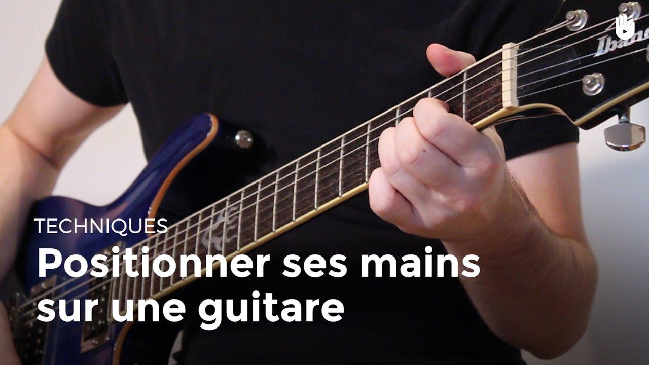 Positionner ses mains sur une guitare apprendre jouer de la guitare sikana - Apprendre la guitare seul mi guitar ...