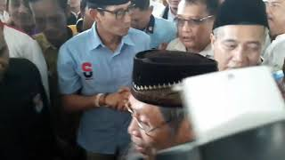Ke Purwakarta, Sandiaga Uno Ziarah ke Makam Syech Baing Yusuf