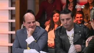 "Kamel Abdat Dans Le Sketch ""Tcharak""."