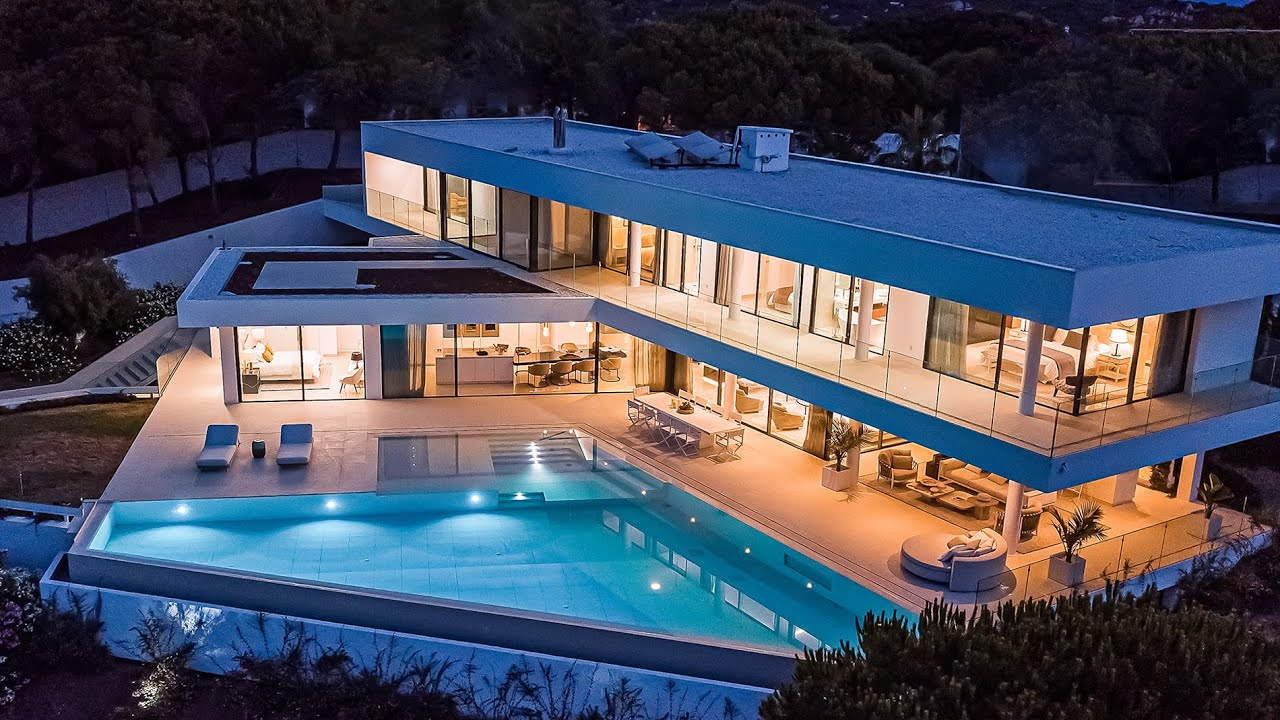 Brand New Contemporary Masterwork with Sea Views in Sotogrande