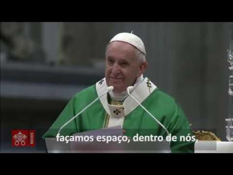 Papa: dar espaço à Palavra de Deus lendo a Bíblia inclusive no celular