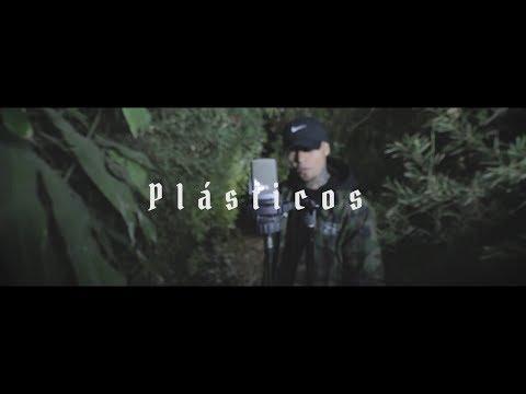 PLÁSTICOS // GERA MXM FT. TEEAM REVOLVER