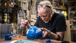 Adam Savage Paints an Astromech for Magic Wheelchair! - Video Youtube