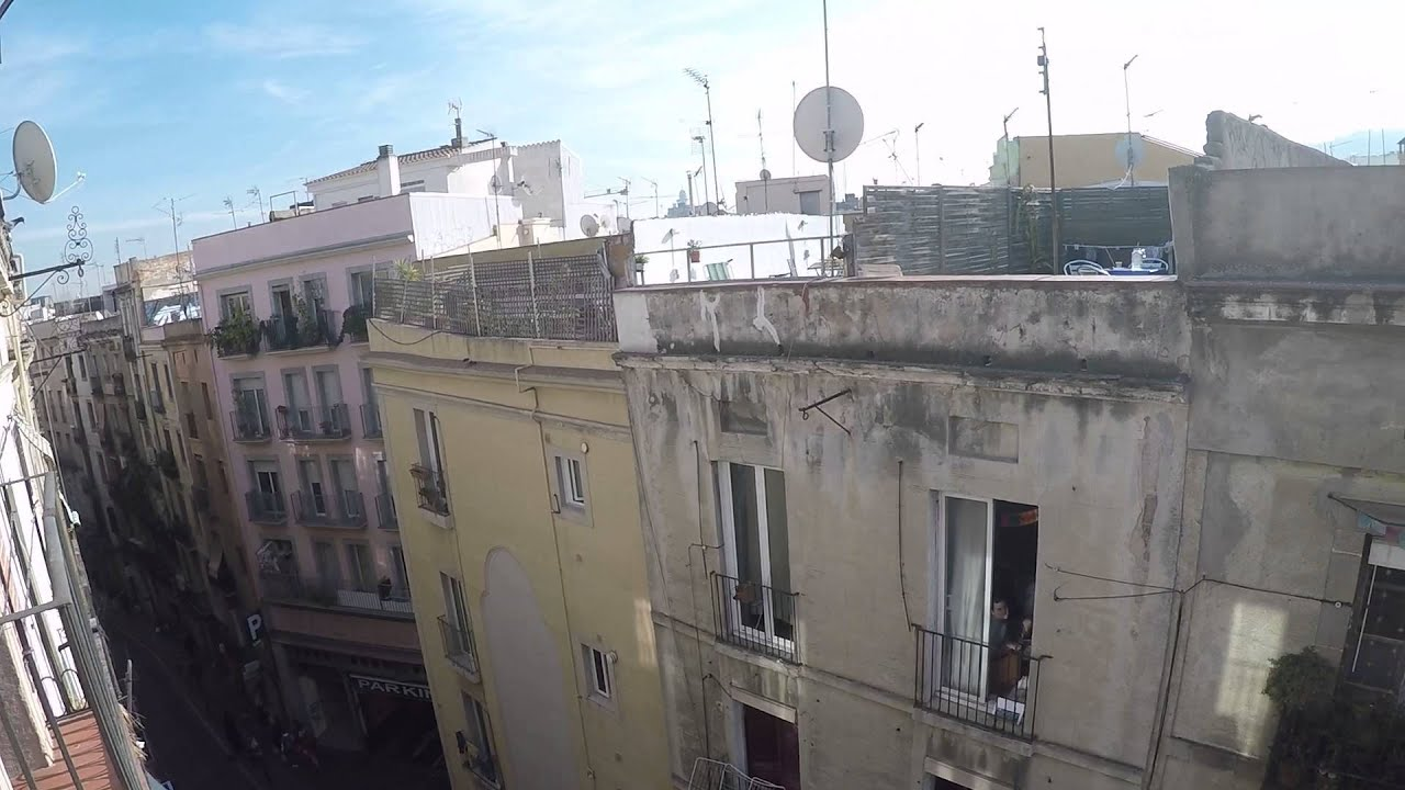 Fully renovated 2 bedroom apartment for rent with AC and balcony near Las Ramblas in Barcelona