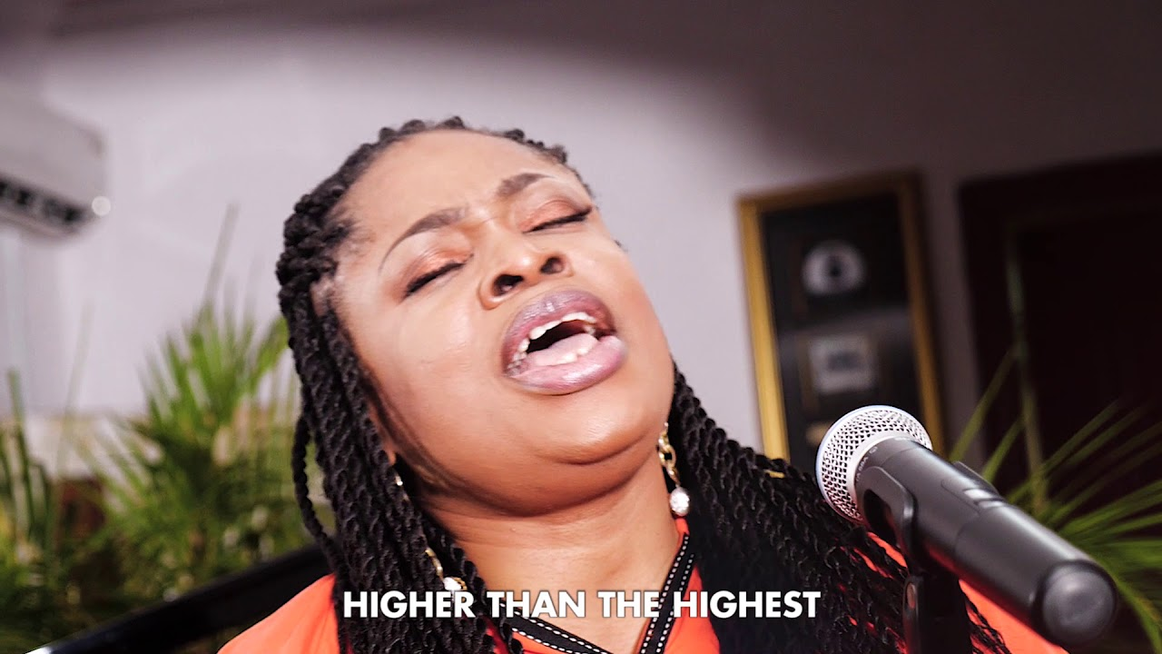 Sinach: I Humbly Bow (Acoustic Version) Video & Lyrics