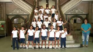 Estudantes cantam em Libras no Dia Nacional dos Surdos