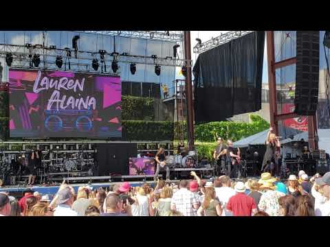 What Ifs - Kane Brown feat. Lauren Alaina (Live)