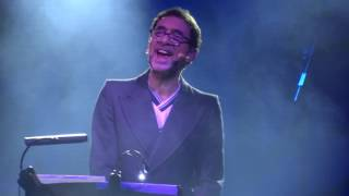 Jona Lewie - 'Stop The Cavalry' - The Great British Folk Festival, Skegness, 4th December 2016
