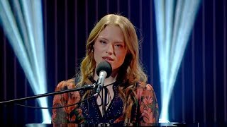 Freya Ridings Performs 'Lost Without You' | The Ray D'Arcy Show