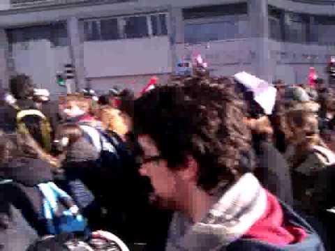 Los piquetes en Madrid hacen retroceder a la policía en Gran Vía