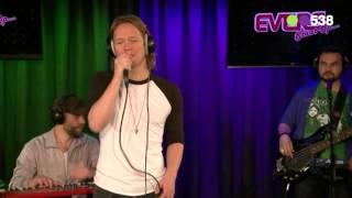 Van Dik Hout - Zo Stil In Mij (Live bij Evers Staat Op)