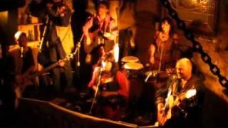 Video Ginevra ve středověké krčmě v Písku