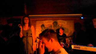 Video 7D - Maybe (live Stará Pekárna)