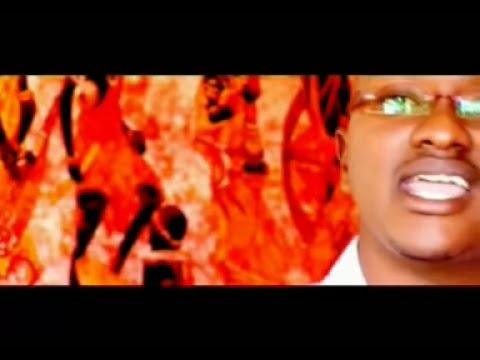 Download Gabriel Mwamuye ft Nyota Ndogo - Mwachie Mungu